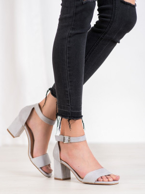 Trendy šedo-stříbrné  sandály dámské na širokém podpatku