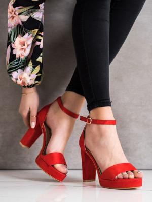 Módní dámské  sandály červené na širokém podpatku