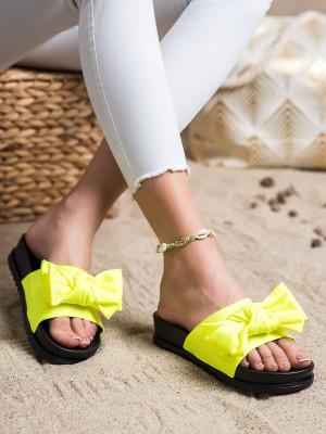 Zajímavé zlaté  nazouváky dámské bez podpatku