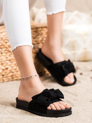 Moderní černé  nazouváky dámské bez podpatku