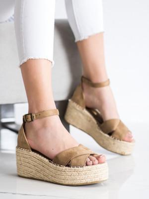 Exkluzívní dámské hnědé  sandály na klínku