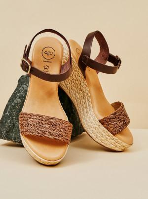 OJJU hnědé kožené sandály na klínku  -