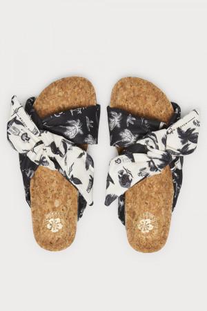 Scotch & Soda černo-bílé pantofle Yolin black/white aloha print -