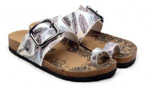 Calceo bílé pantofle Thong Sandals Feather -