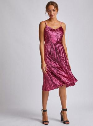 Růžové sametové šaty s plisovanou sukní Dorothy Perkins -
