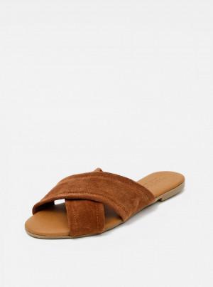 Hnědé semišové pantofle Pieces Marnie -