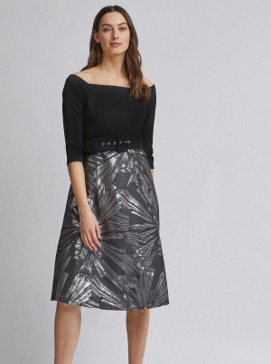 Vzorované šaty v černo-stříbrné barvě Dorothy Perkins
