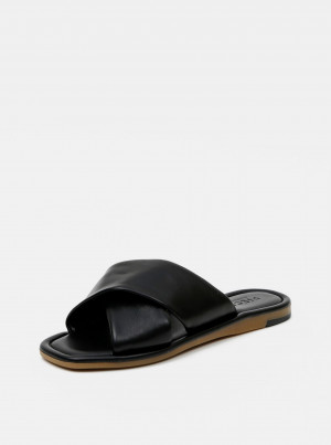 Černé kožené pantofle Pieces Audrey -