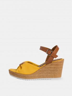 Tamaris žluté boty na klínku -