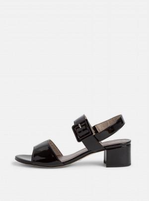Černé lesklé sandálky Tamaris -