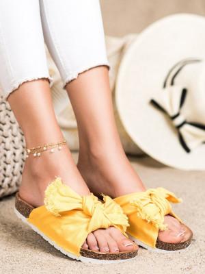 Stylové dámské  nazouváky zlaté bez podpatku