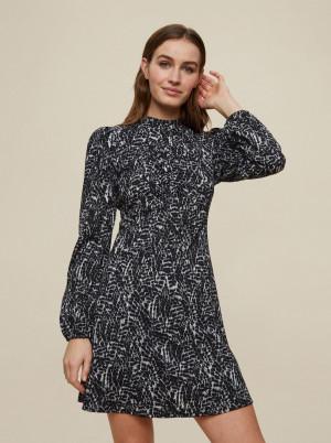 Dorothy Perkins černé šaty se vzory