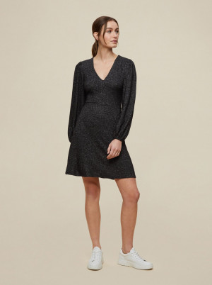 Dorothy Perkins tmavě šedé svetrové šaty