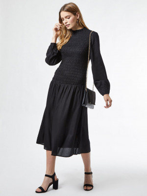Dorothy Perkins černé midi šaty