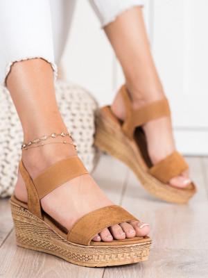 Originální dámské hnědé  sandály na klínku