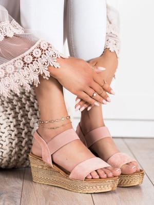 Luxusní růžové dámské  sandály na klínku