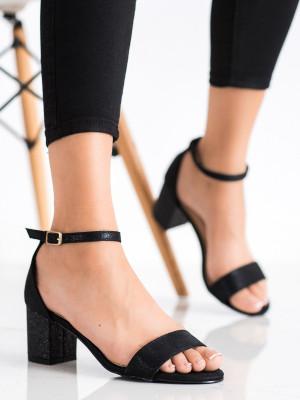 Designové černé dámské  sandály na širokém podpatku