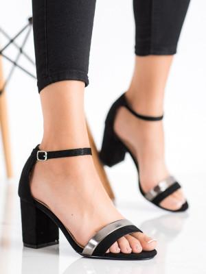Klasické černé dámské  sandály na širokém podpatku