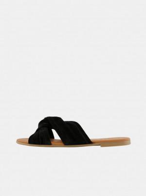 Pieces černé semišové pantofle Nellie -