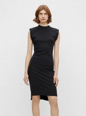 Pieces černé pouzdrové šaty Asli s ramenními vycpávkami