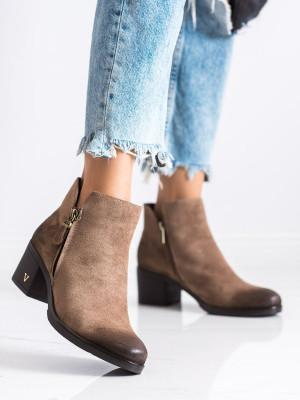 Pohodlné dámské  kotníčkové boty hnědé na širokém podpatku