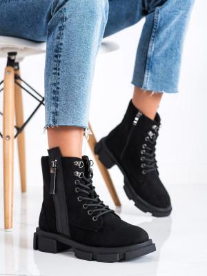 Trendy černé  kotníčkové boty dámské na plochém podpatku