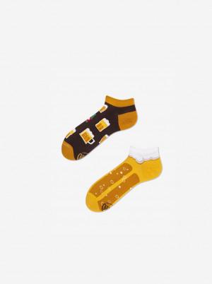 Hnědo-žluté unisex vzorované kotníkové ponožky Many Mornings Craft Beer - 35-38