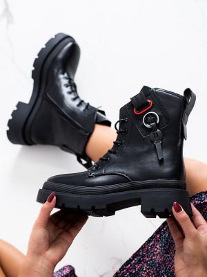 Pohodlné černé  kotníčkové boty dámské na širokém podpatku