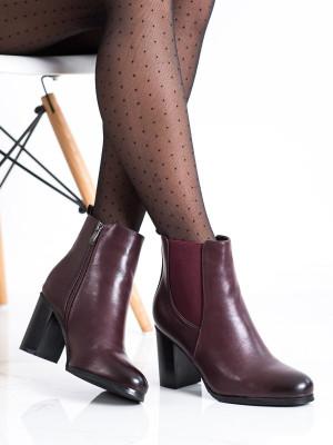 Komfortní červené dámské  kotníčkové boty na širokém podpatku