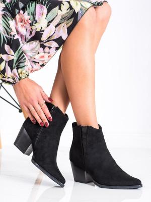 Pohodlné dámské  kotníčkové boty černé na širokém podpatku