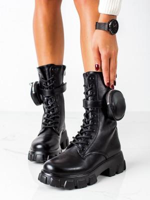Moderní dámské černé  kotníčkové boty na plochém podpatku