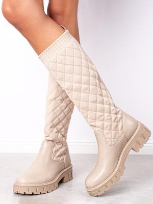 Luxusní hnědé  kozačky dámské na plochém podpatku