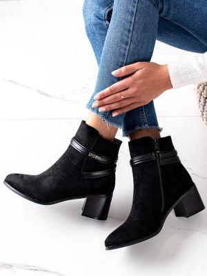 Moderní dámské černé  kotníčkové boty na širokém podpatku