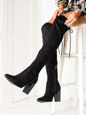 Designové černé dámské  kozačky na širokém podpatku