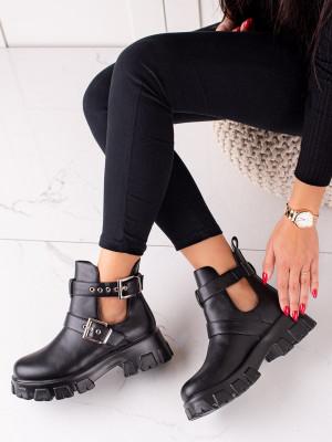 Krásné dámské černé  kotníčkové boty na plochém podpatku