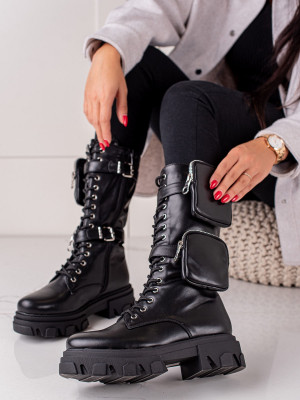 Jedinečné dámské  kotníčkové boty černé na plochém podpatku