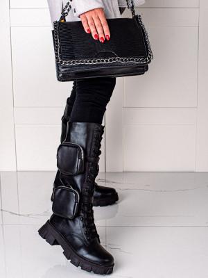Trendy dámské  kotníčkové boty černé na plochém podpatku