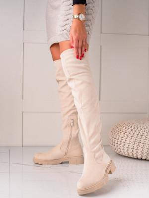 Výborné hnědé dámské  kozačky na plochém podpatku