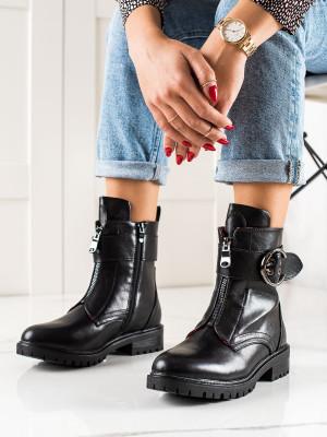 Zajímavé černé  kotníčkové boty dámské na plochém podpatku