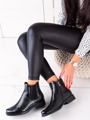 Komfortní  kotníčkové boty dámské černé na plochém podpatku