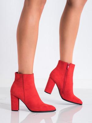 Luxusní dámské červené  kotníčkové boty na širokém podpatku