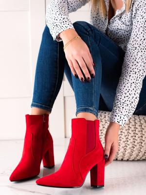 Trendy dámské červené  kotníčkové boty na širokém podpatku