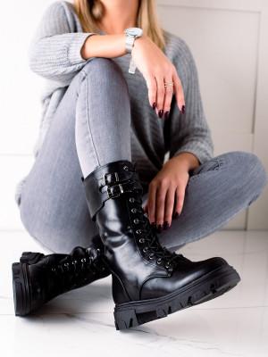 Exkluzívní  kotníčkové boty černé dámské na plochém podpatku