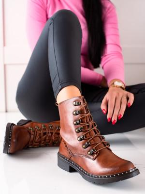 Zajímavé  kotníčkové boty dámské hnědé na plochém podpatku