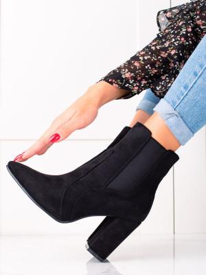 Krásné černé  kotníčkové boty dámské na širokém podpatku