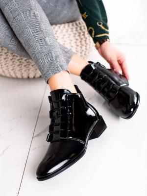 Výborné  kotníčkové boty dámské černé na plochém podpatku