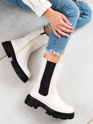 Exkluzívní bílé dámské  kotníčkové boty na plochém podpatku