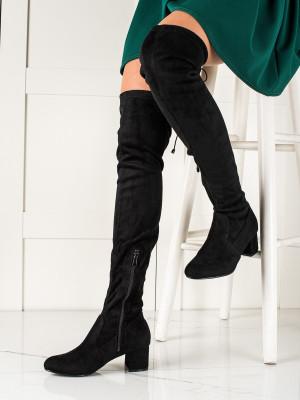 Komfortní dámské černé  kozačky na širokém podpatku