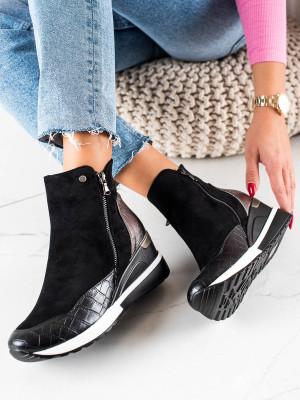 Luxusní  kotníčkové boty černé dámské na klínku